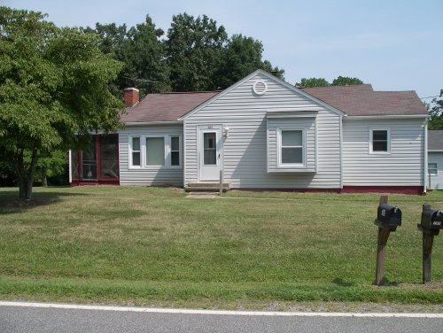 half basement garage property manager for rentals at applefield realtors