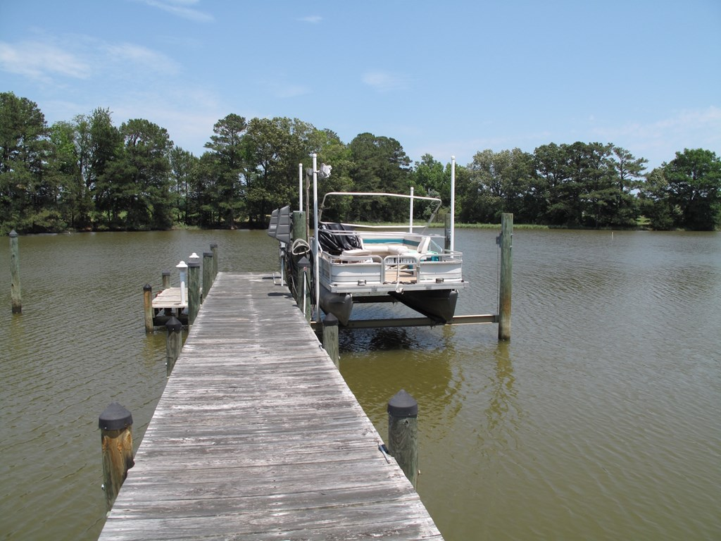 Pier with 8 ton boat lift