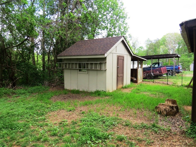 OUTBUILDING / SHED