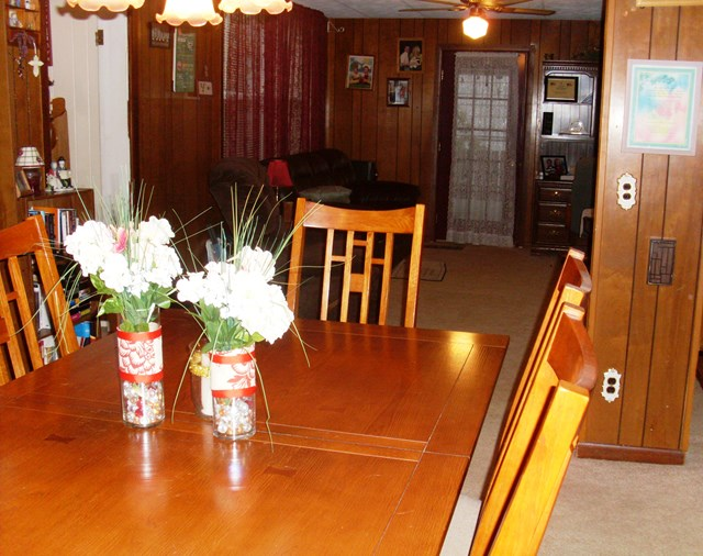 Dining & Family room off kitchen
