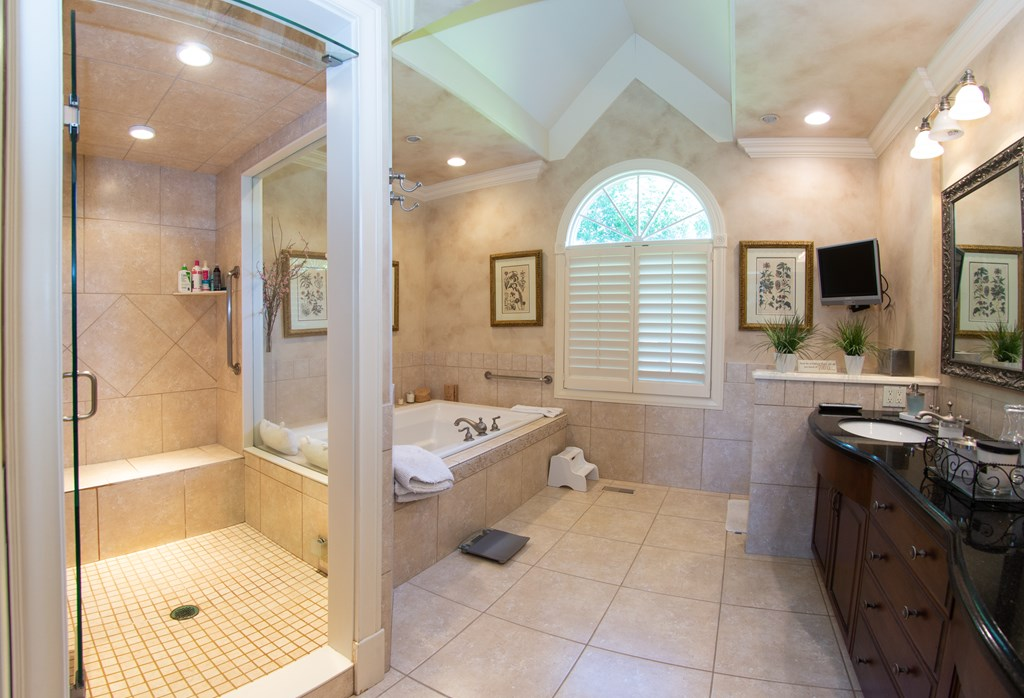 Main Floor Master Bath